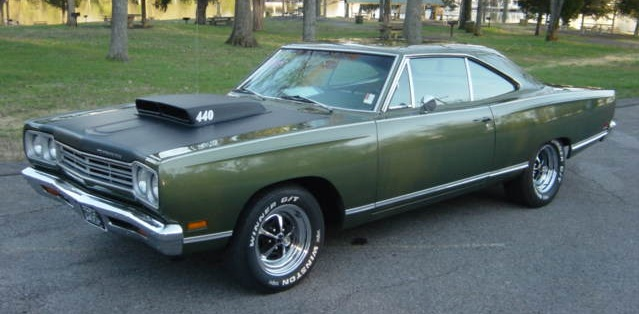 Dodge Charger R T 1969 El Mejor Muscle Car De La Historia as well 22373 1970 jaguar xke also 70 Plymouth Road Runner5609 additionally 216934 1959 Anglia 100e likewise Plum Crazy 1970 Dodge Super Bee Drag Race Car. on trucks with a 440 magnum engine